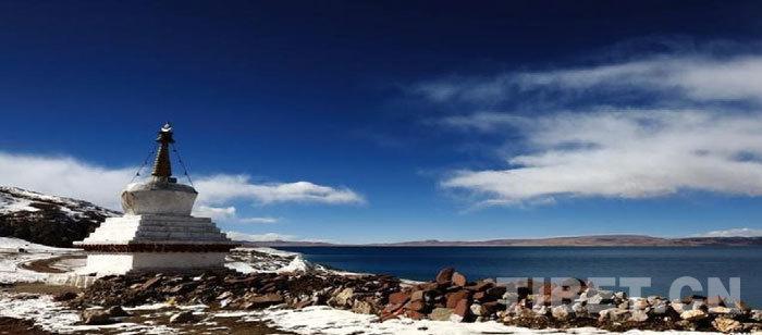 世界上海拔最高的大型湖泊——纳木措