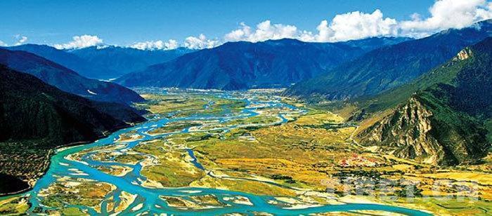 世界上最深的峡谷——雅鲁藏布大峡谷